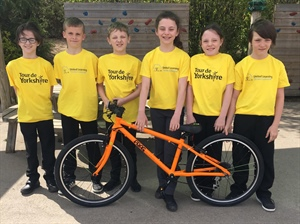 Bank End Primary School children prepare for their part in the Tour de Yorkshire